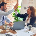 【2021年版】副業のメリット・デメリット一覧|個人・企業の両視点で解説