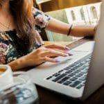 【調査まとめ】副業をしている人の割合|平均副収入・利用時間